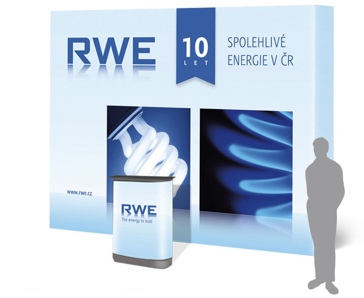 RWE_10let_3_prezentacni_stena_stolek